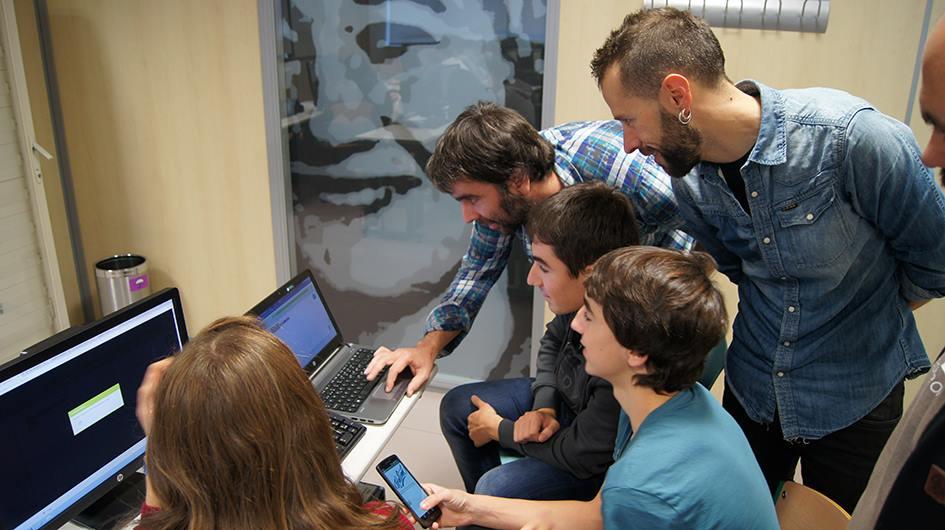 Zientzia  Astea  2016.  Programazio  tailerra:  Telefono  mugikorren    aplikazioak  sortzen